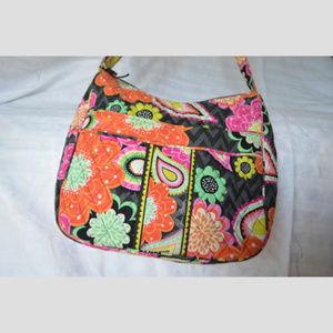 Carryall Crossbody Shoulder bag in Ziggy Zinnia